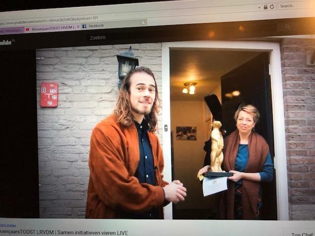 Trage Post wint Gouden Stokstaartje!